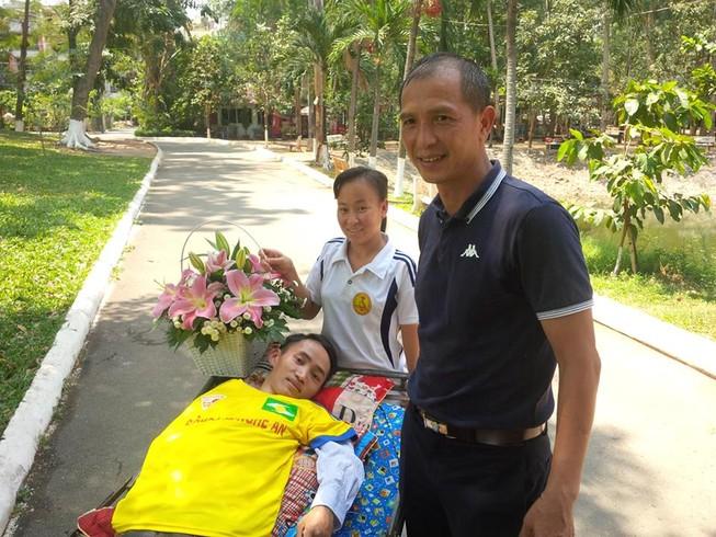 Nghĩa cử đẹp của CLB Sài Gòn với CĐV đặc biệt