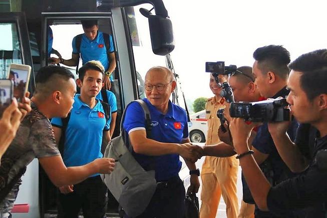 Đội tuyển Việt Nam bay gấp sang Malaysia quyết chiến chung kết