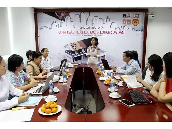 Giao lưu: 'Chính sách đất đai mới và lợi ích của dân'
