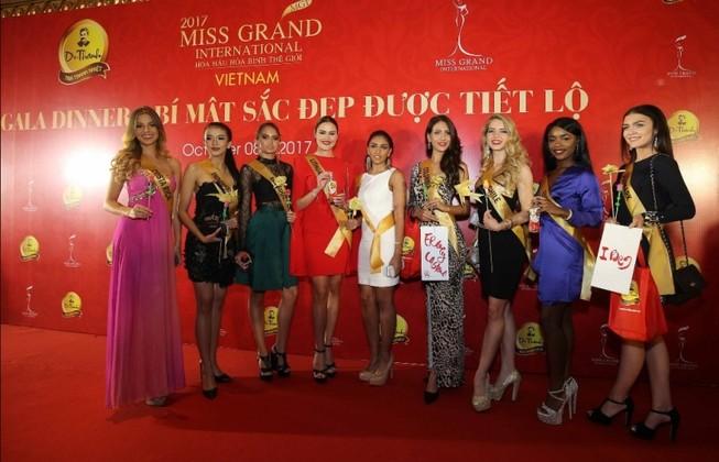 Dàn Hoa hậu Hòa bình 2017 khoe vẻ đẹp tươi tắn