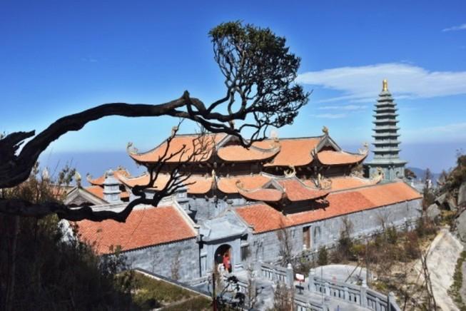 Dấu ấn kiến trúc thời Trần: Kiệt tác tâm linh Fansipan