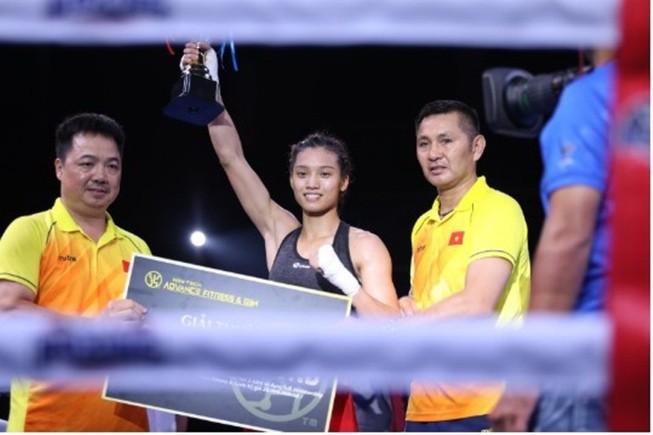 Hai cô gái vàng mang về chiến thắng cho Việt Nam tại Victory8
