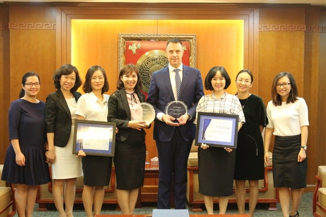 MB nhận giải thưởng STP từ Ngân hàng JP Morgan Chase   