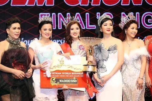 Á quân Sao Mai Hoàng Thủy đăng quang Hoa hậu Doanh nhân