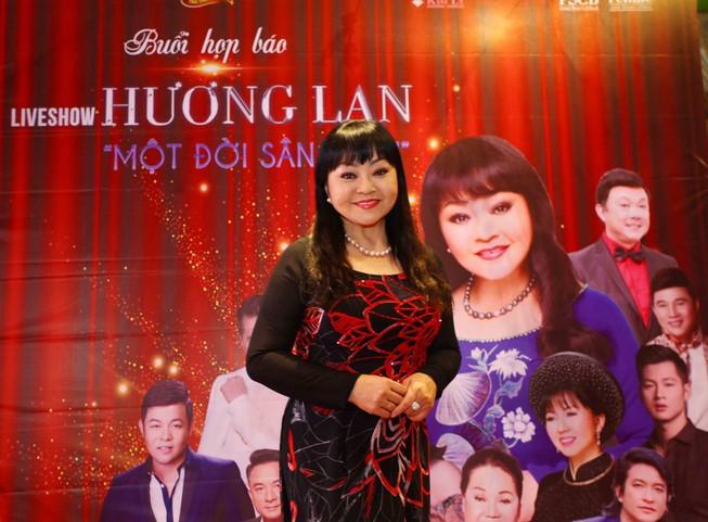 Ca si Huong Lan Toi duoc chu Bac Son cung nhu con