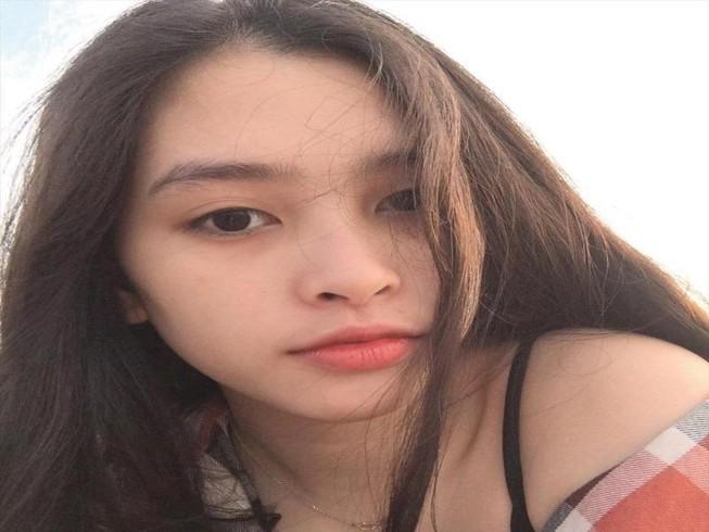 Ngắm mặt mộc xinh đẹp, đời thường của tân Hoa hậu 2018