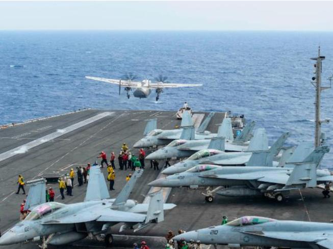 Rơi máy bay hải quân Mỹ: Còn 3 sĩ quan mất tích