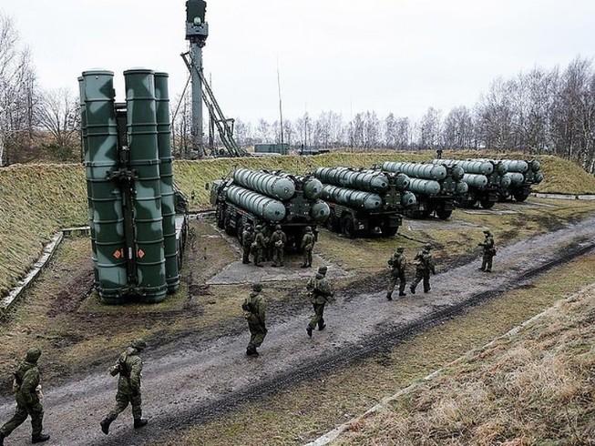 Nga đưa 4 tổ hợp tên lửa S-400 đến Syria
