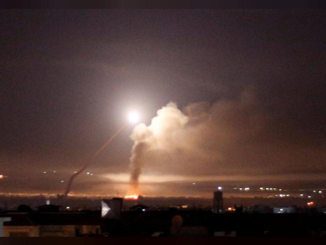 Israel phá 5 đơn vị phòng không Syria, hàng chục mục tiêu Iran