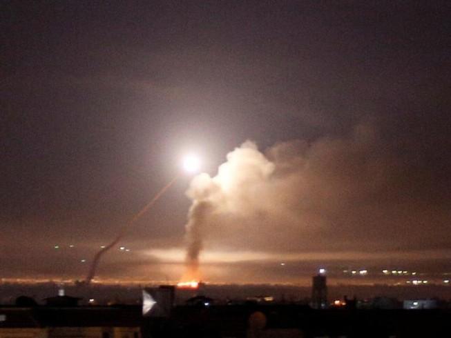 Israel lại dội tên lửa vào thủ đô Syria