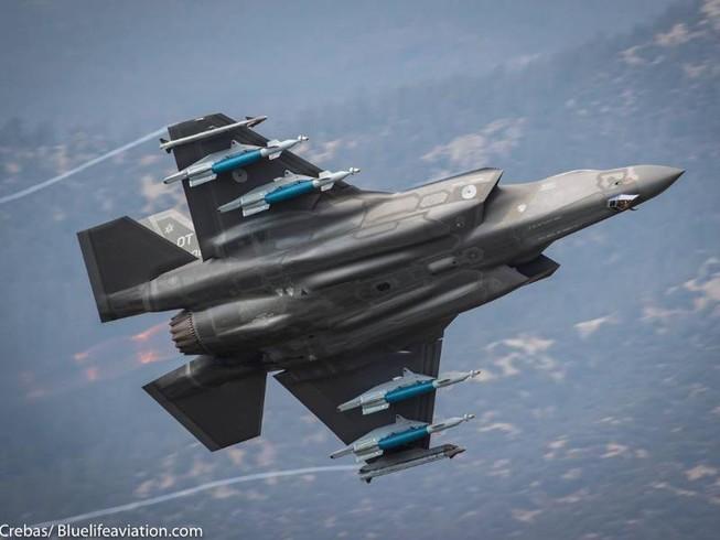 Mỹ tạm ngưng hoạt động toàn bộ F-35 sau vụ rơi tháng trước