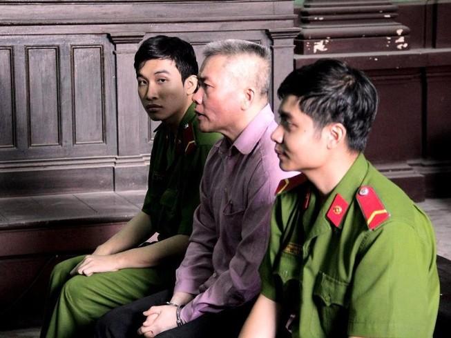 Việt kiều Mỹ 'trả nợ' cờ bạc bằng cả cuộc đời