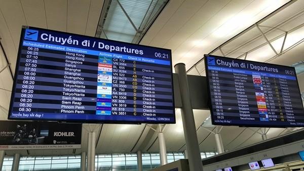 Cấm bay hành khách định mang xăng Zippo lên máy bay