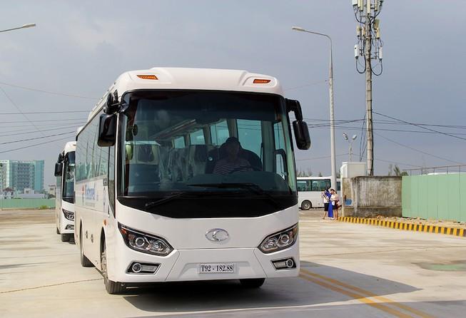 Bàn giao 100 xe vận chuyển đại biểu APEC