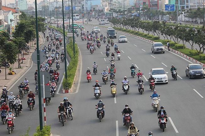 TP.HCM: Đề nghị giảm tốc độ 10 tuyến đường