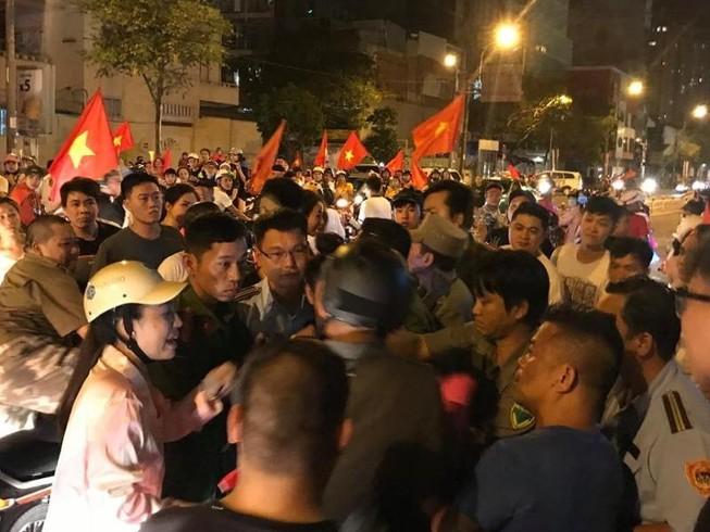 TP.HCM tạm giữ 56 xe máy đêm Việt Nam thắng Philippines