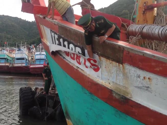 Xử phạt tàu cá sửa số hiệu đi đánh bắt tại Indonesia