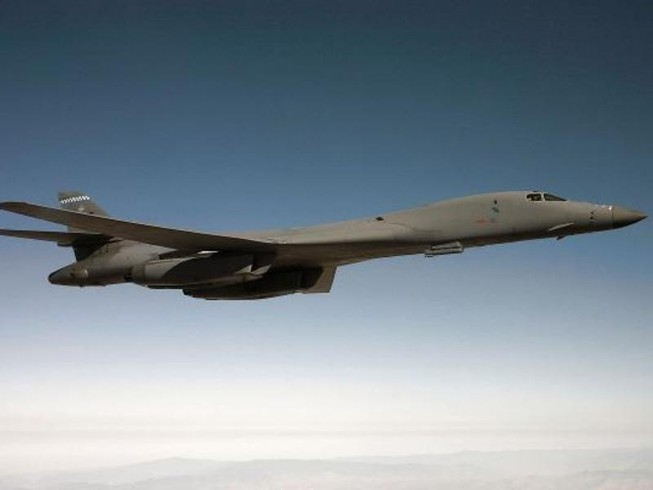 TQ cảnh báo máy bay ném bom Mỹ đi vào biển Hoa Đông