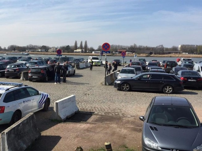 Tông xe vào đám đông tại Bỉ, nghi phạm bị bắt