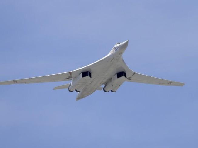 Nga nâng cấp 'Thiên nga trắng' Tu-160 bay thêm 1.000 km