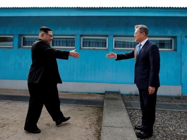Bí mật trong đôi giày ông Kim Jong-un mang khi gặp ông Moon