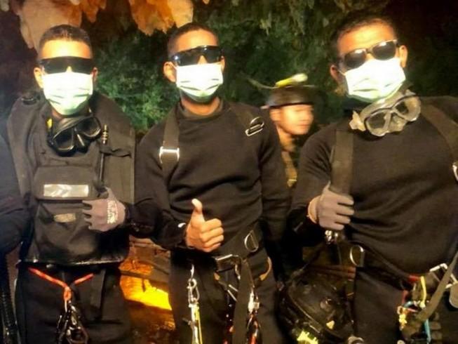 Video khoảnh khắc cuối cùng vụ giải cứu đội bóng Thái Lan