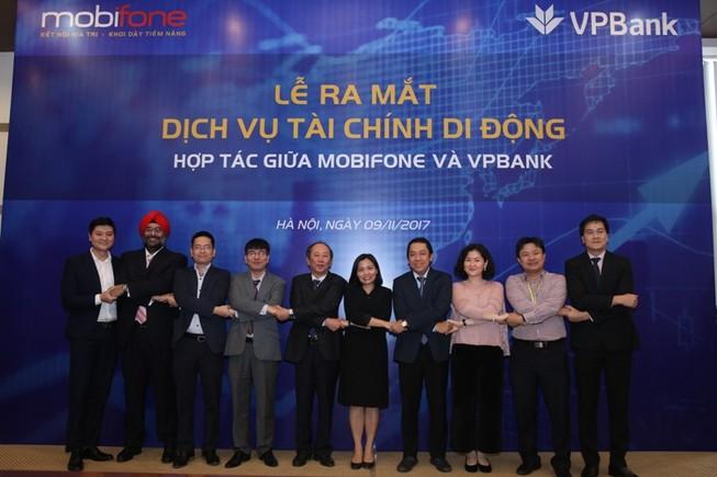 MobiFone và VPBank hợp tác dịch vụ tài chính di động