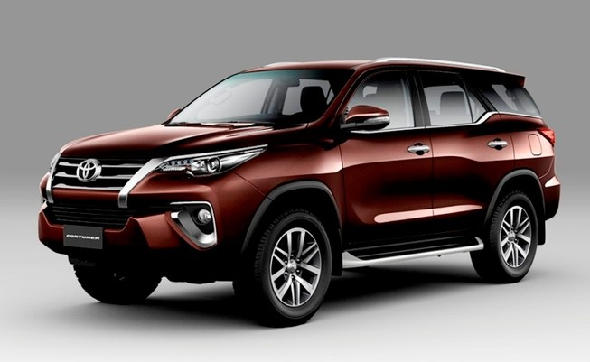 Thêm Toyota Hiace, Fortuner và Hilux phiên bản cải tiến 2018