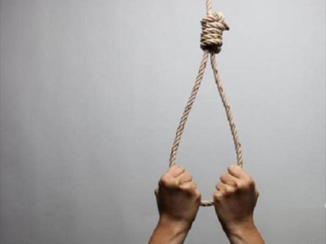 Thầy giáo treo cổ tự tử ngay ngày khai giảng
