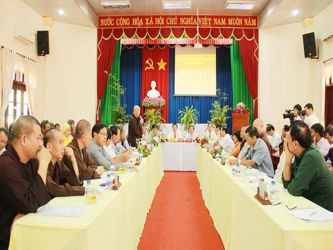Bình Phước họp mặt chức sắc các tôn giáo và già làng...
