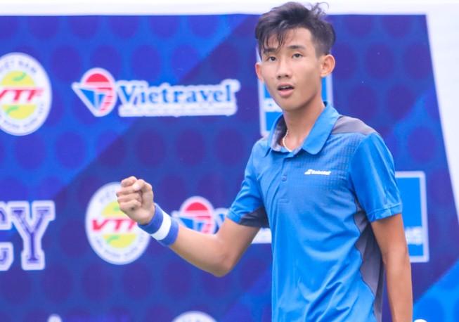 Tay vợt 16 tuổi giúp Bình Dương vô địch đồng đội nam