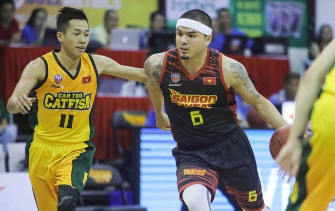 Việt Arnold bỏ ngỏ suất dự giải bóng rổ chuyên nghiệp VN 2018