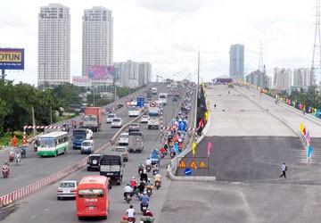 """Nhiều """"điểm sáng"""" ở cầu Sài Gòn 2"""