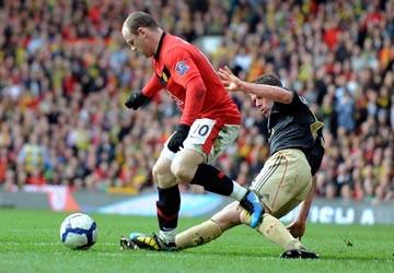 MU - Liverpool (2-1): MU tái chiếm ngôi đầu