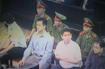 Lê Công Định lãnh án 5 năm tù, Trần Huỳnh Duy Thức 16 năm tù