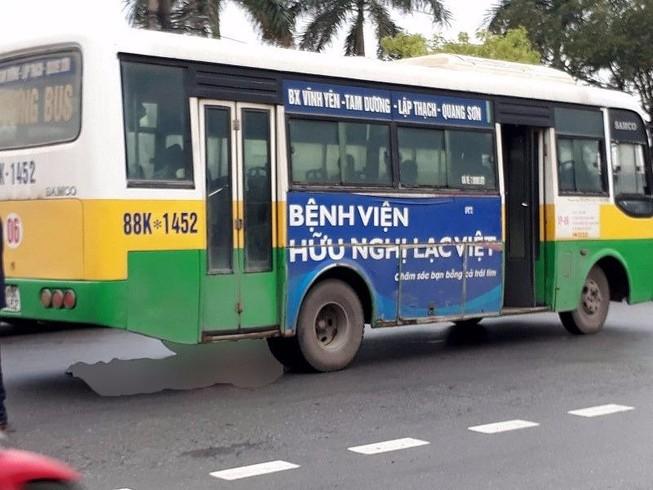 Băng qua đường, nữ công nhân bị xe buýt tông tử vong