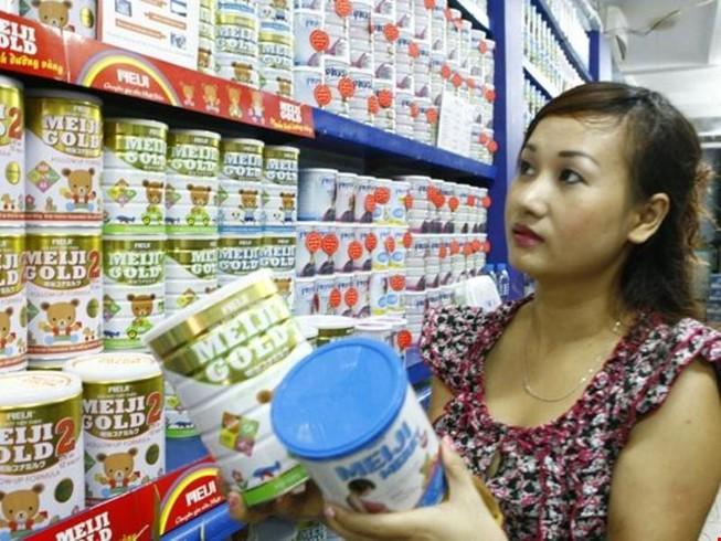 Quản lý giá sữa: DN nói Bộ Công Thương... sai luật