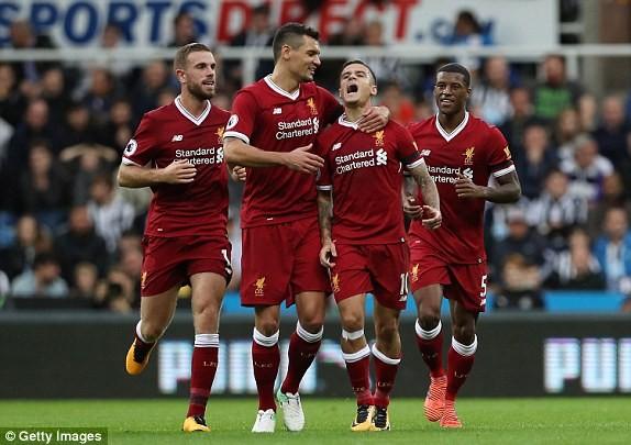Coutinho lập siêu phẩm, Liverpool vẫn không thắng