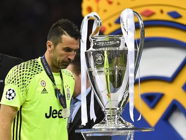 Buffon tuyên bố chia tay Juventus: Tạm biệt một huyền thoại!