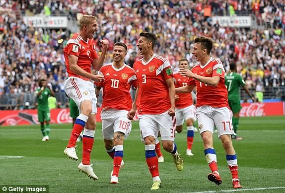 Nga 1-0 Saudi Arabia:Chủ nhà ghi bàn thắng đầu tiên World Cup