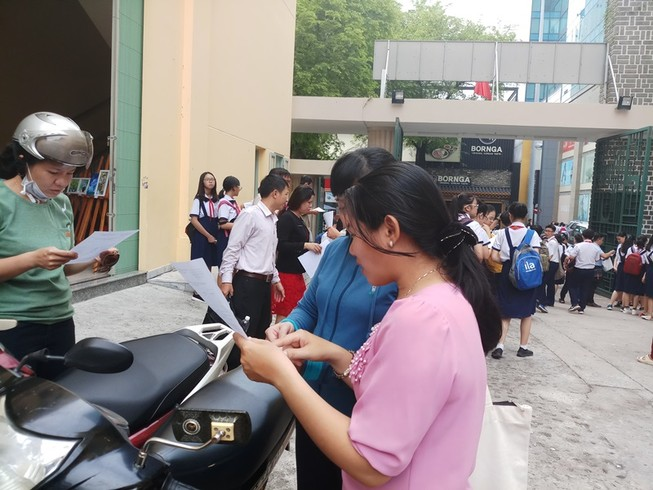 Trường chuyên Trần Đại Nghĩa phát phiếu thi khảo sát vào lớp 6