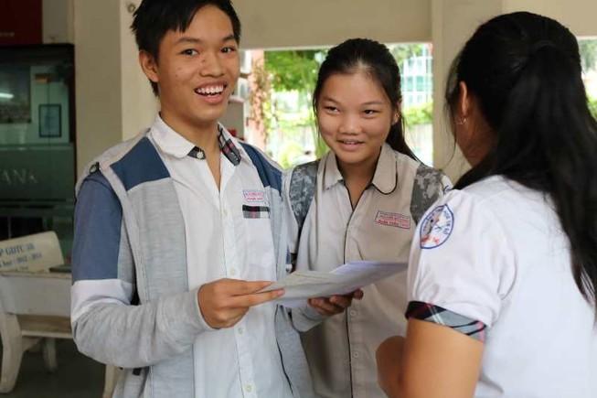 Thí sinh thở phào với đề tiếng Anh vào Trung học Thực hành