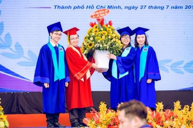 Lễ tốt nghiệp của sinh viên trường Đại học Luật