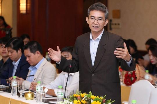 Ông Đỗ Thanh Năm, chuyên gia quản trị đang phát biểu tại buổi tọa đàm - Ảnh: báo Người Lao Động