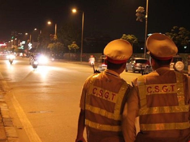 Để không còn tình trạng chống đối cảnh sát giao thông