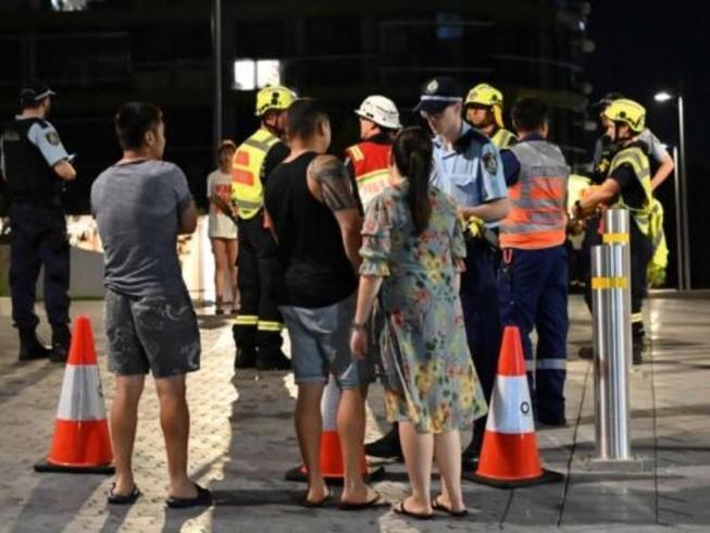 Úc di tản dân sau khi tòa nhà 38 tầng có dấu hiệu nứt