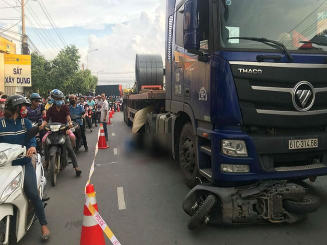 Thai phụ bị container cán ở Bình Dương không qua khỏi