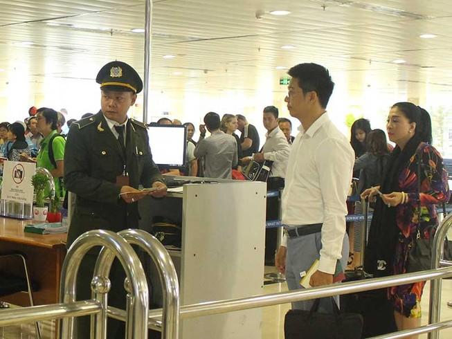 Phương án mới giải cứu ùn ứ sân bay Tân Sơn Nhất