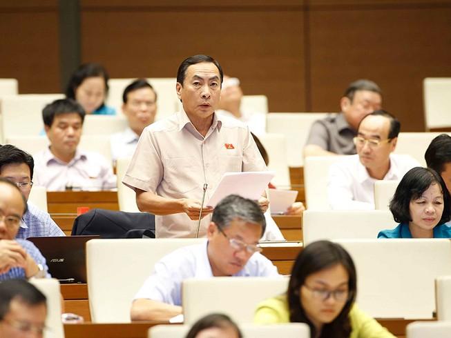 Quốc hội tranh luận về số lượng tướng công an