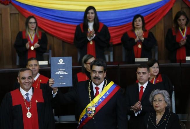 Tổng thống Venezuela vừa tái nhậm chức đã gặp nhiều khó khăn